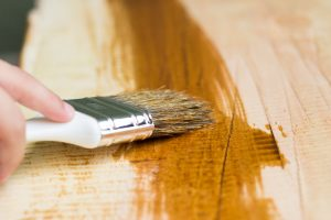 pintar tablero de madera